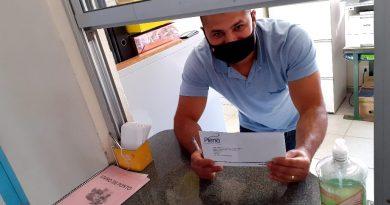 Plena Saúde   Entrega das carteirinhas começa com diretores em visita nos postos!