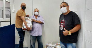Diretores do Sindicato realizam ação solidária para doação de cestas básicas para Servidores