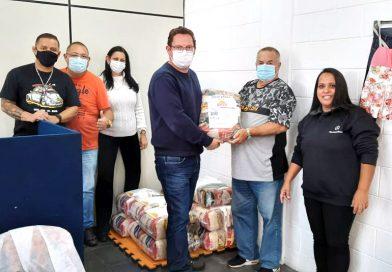 Ação solidária do Sindicato arrecada 12 cestas básicas para famílias carentes de Suzano